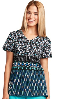KD110 Women's V-Neck Heart Print Scrub Top