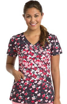 KD110 Women's Abby V-Neck Heart Print Scrub Top