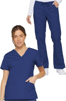 petite: Everyday Scrubs Signature by Dickies Women's Wrap Set