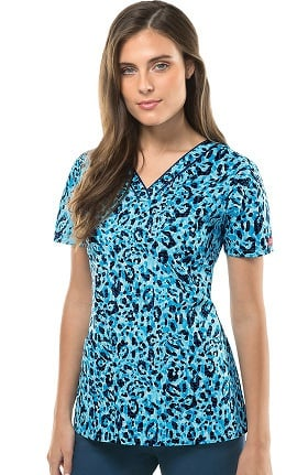 Clearance Everyday Scrubs Signature by Dickies Women's V-Neck Animal Print Scrub Top