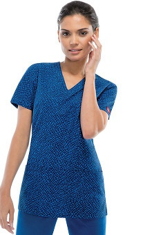Fashion Prints by Dickies Women's V-Neck Heart Print Scrub Top