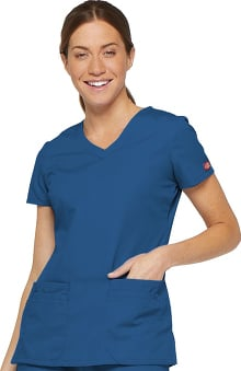 Everyday Scrubs Signature by Dickies Women's Junior V-Neck Top