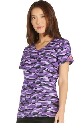 Clearance Everyday Scrubs Signature by Dickies Women's V-Neck Camo Print Scrub Top