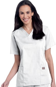 catplus: ScrubZone by Landau Women's V-Neck Solid Scrub Top