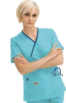 2XL: Urbane Women's Essentials 2-Pocket Crossover Solid Scrub Top