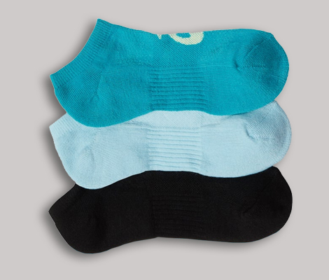 Multiple colors moisture wicking socks