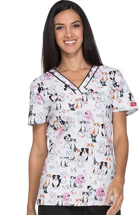Clearance Everyday Scrubs Signature by Dickies Women's V-Neck Pet Print Scrub Top