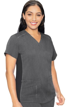 Touch by Med Couture Women's Kerri V-Neck Shirttail Solid Scrub Top