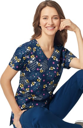Clearance Zoe and Chloe Women's Bee Lieve Print Scrub Top