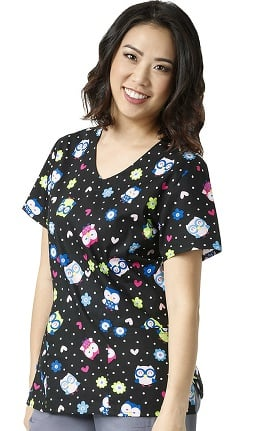 Zoe and Chloe Women's 2 Pocket V-Neck Owl Print Scrub Top